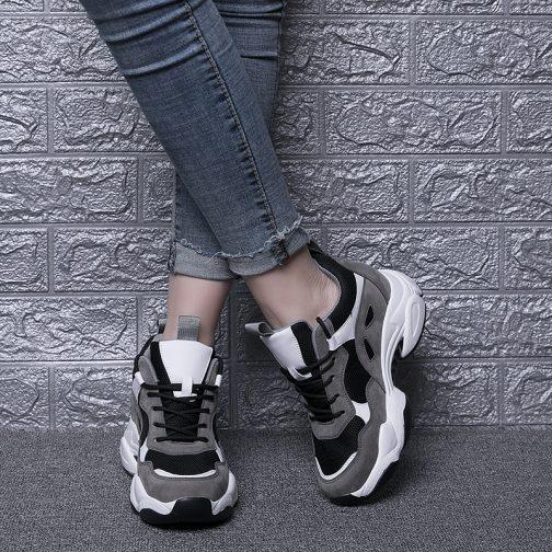 Lora Sneakers